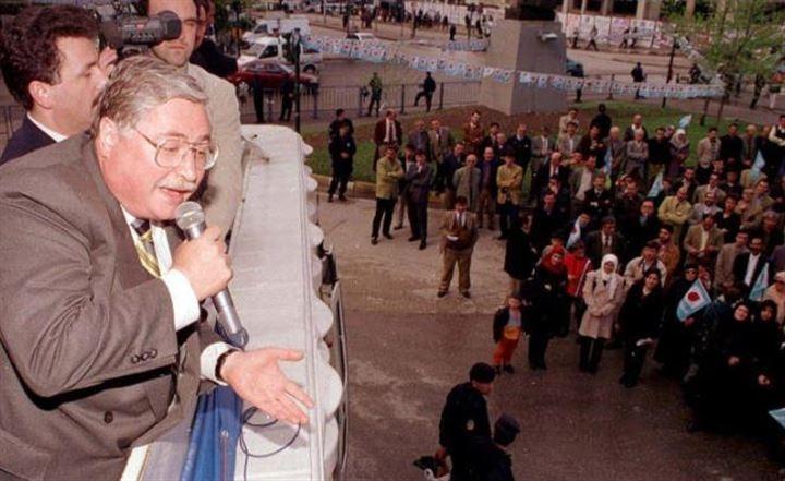 Türk siyasetinde dik duruşuyla tanıdığımız, Hasan Celal Güzel 1