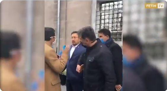 Polisin Tepki Çeken Doğu Türkistanlılara Müdahalesi 1