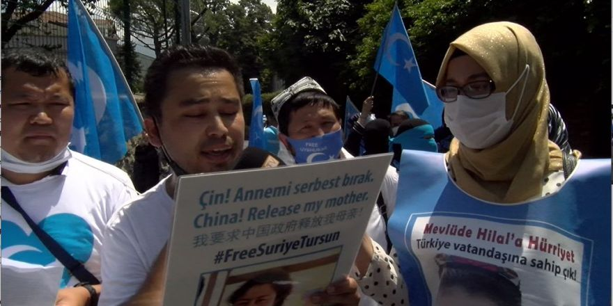 5 Temmuz Urumçi Katliamı Çin İstanbul Başkonsolosluğu önünde protesto ed