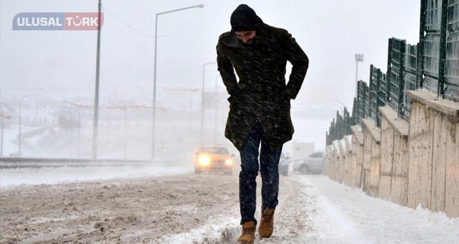 Doğu'da kara kış ulaşıma izin vermiyor