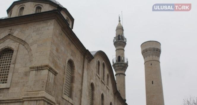 Malatya'da beş camisiz minareden biri yıktırıldı