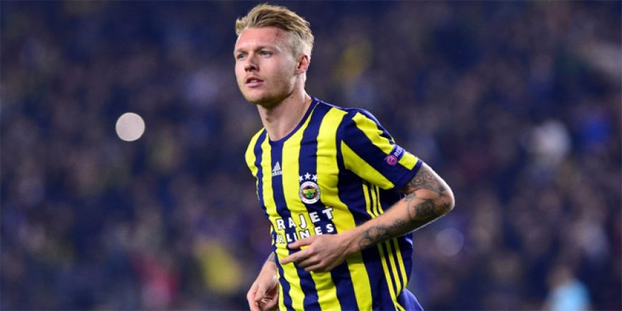 Milan ve Inter'in gözü Kjaer'da