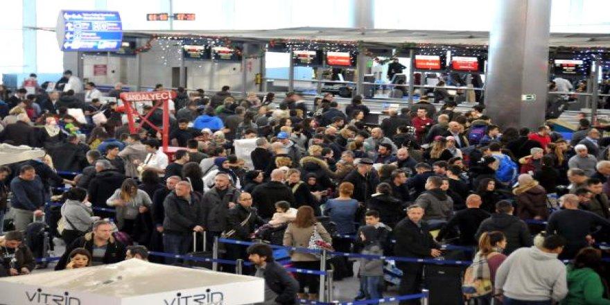 Türk Hava Yolları'nın 633 seferi iptal oldu