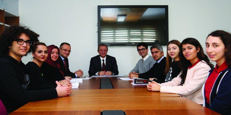 Türk öğrenci Avrupa Gençlik Parlamentosuna delege seçildi