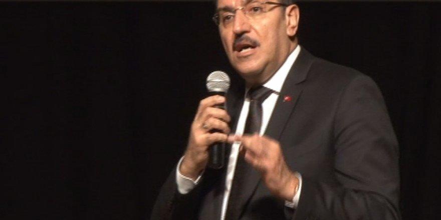 """Bülent Tüfenkci: """"Türkiye'nin ekonomisi sapasağlam"""""""