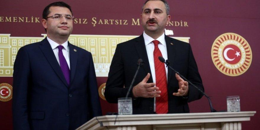 AK Parti anayasa değişikliği teklifini TBMM Başkanlığına sundu
