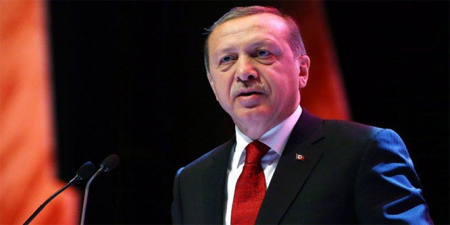 Cumhurbaşkanı Erdoğan okları sosyal medyaya çevirdi.