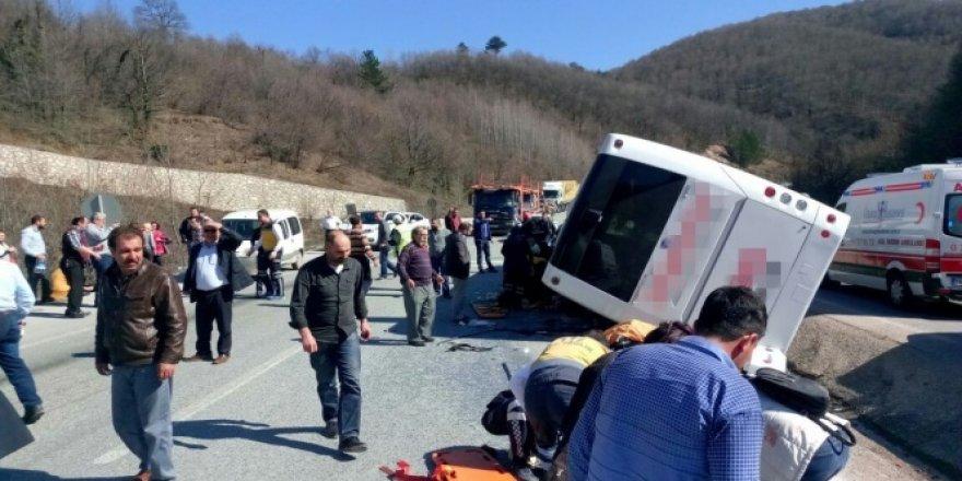 Bursa'da yolcu otobüsü kaza yaptı