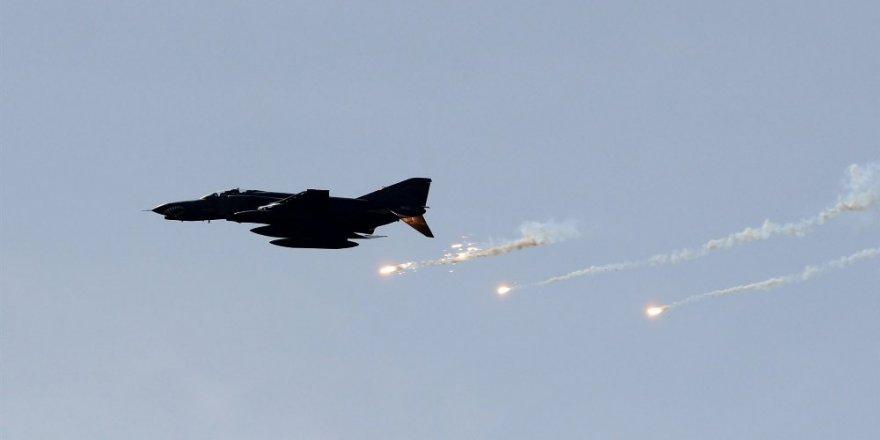 Türk jetleri PKK'yı vurdu
