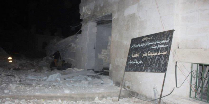 Halep'te  camiye hava saldırısı: 63 ölü