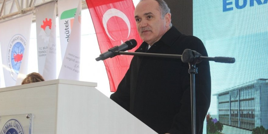Dr. Faruk  Özlü: Türkiye'nin gerçek açığı teknoloji açığıdır