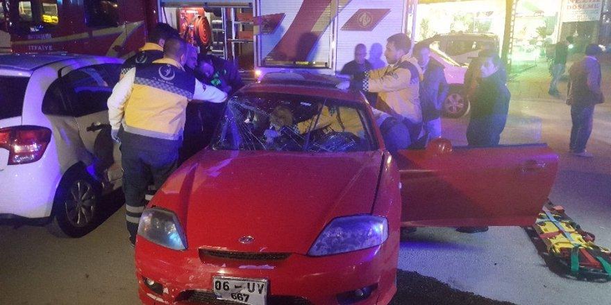 Ankara'da  zincirleme trafik kazası: 2 yaralı