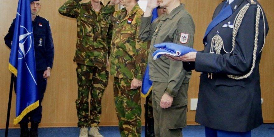 Hollanda Kosova'dan çekiliyor