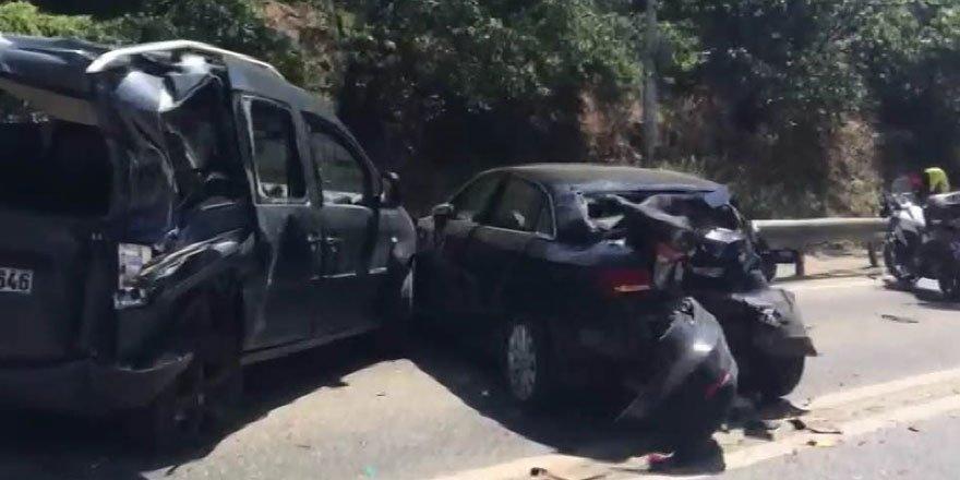 Belediye otobüsü kontrolden çıktı, 10 araca çarptı!