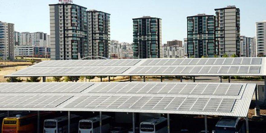 Diyarbakır'da bir ilk: Güneş enerjili otogar!
