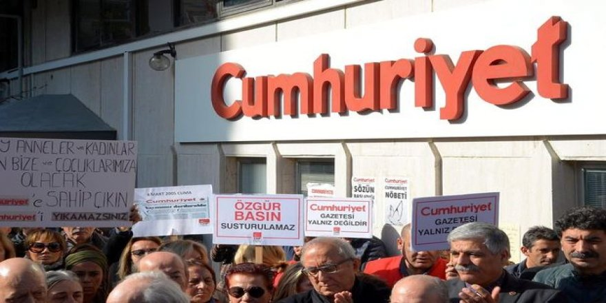 Cumhuriyet Gazetesi davasında karar: Gazeteciler mahkum!