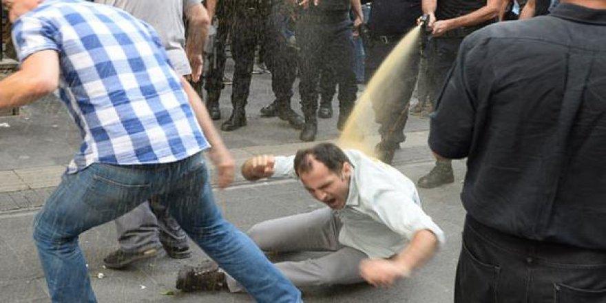 Polis, Gülmen ve Özakça protestosuna ağır müdahale etti