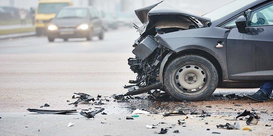 FETÖ şüphelisini karakola götüren araç kaza yaptı: 4 yaralı
