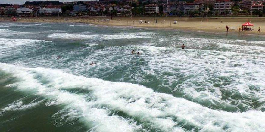 Kocaeli Belediyesi'nden önemli uyarı: Denize girmeyin!