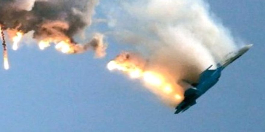 Suriye'de uçak düştü, pilot rehin alındı
