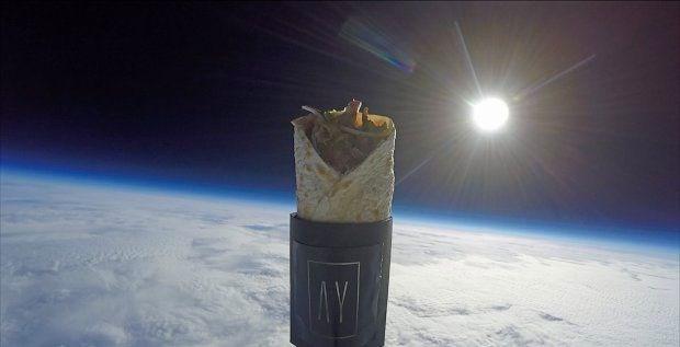 Uzaya Kebap yollayan Türk Restorant