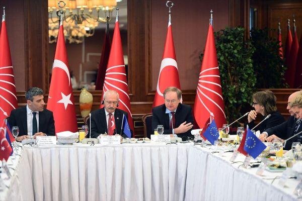 Kılıçdaroğlu Avrupa Birliği Üyesi Ülkelerin Büyükelçileriyle Bir Araya Geldi.