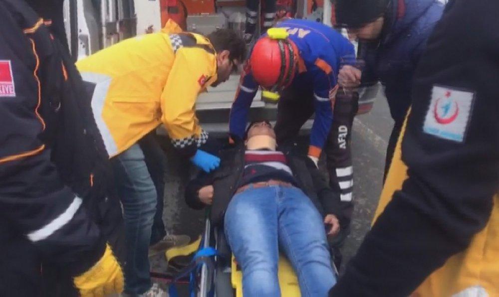 Aksaray'da Ambulans ile otomobil çarpıştı