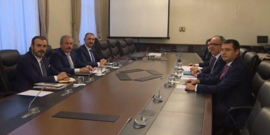 AK Parti-MHP görüşmesi sona erdi
