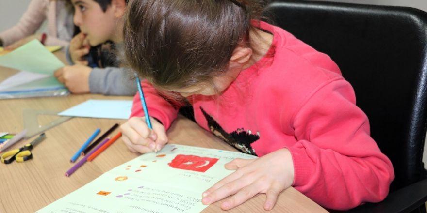 Öğrencilerden Afrin'deki askerlere moral mektubu