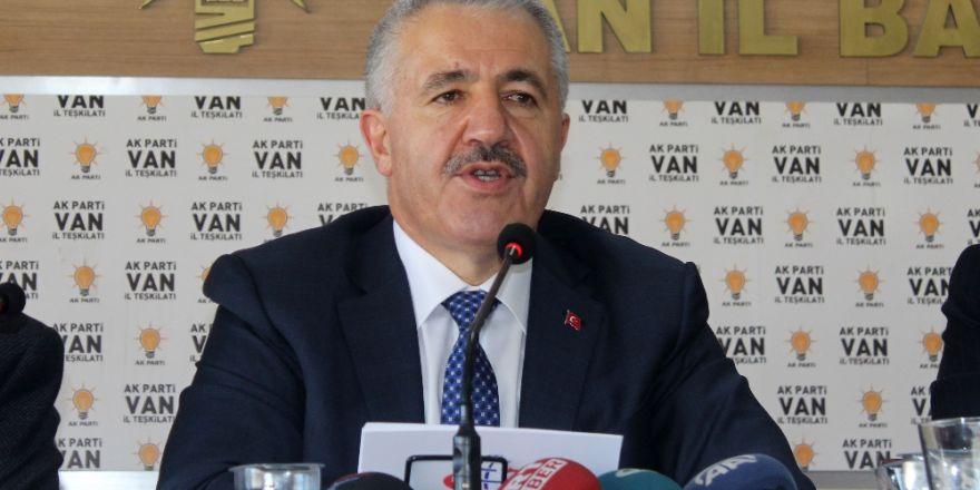 """""""Yavuz Sultan Selim Köprüsü üzerinde raylı sistem için..."""""""