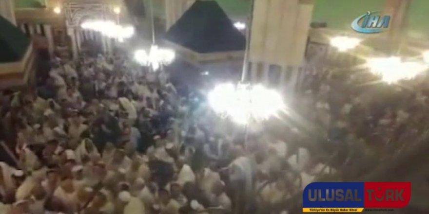 Yahudiler İbrahim Peygamberin kabrinin bulunduğu camii bastılar