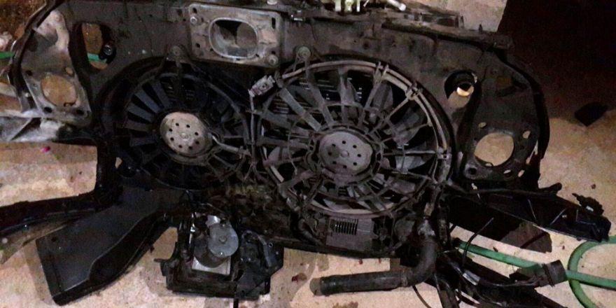 Tamir İçin Bıraktı, Arabası Parçalandı