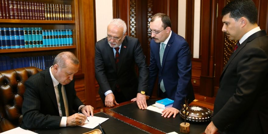 Cumhurbaşkanı Erdoğan, Adaylık Başvurusunu Yaptı