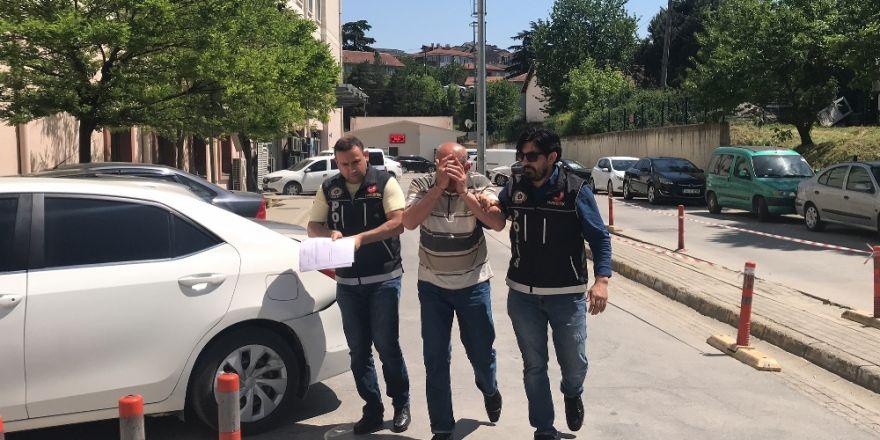 Sakarya'da 77 Yaşında yaşlı adam 16 Kilogram Esrarla Yakalandı
