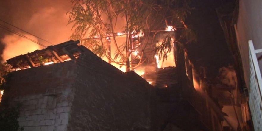 Ankara'da Büyük Yangın: 7 Ev Küle Döndü