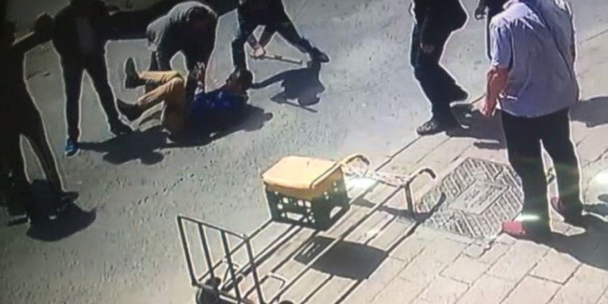 Önce Bıçakladılar Sonra Öldüresiye Dövdüler