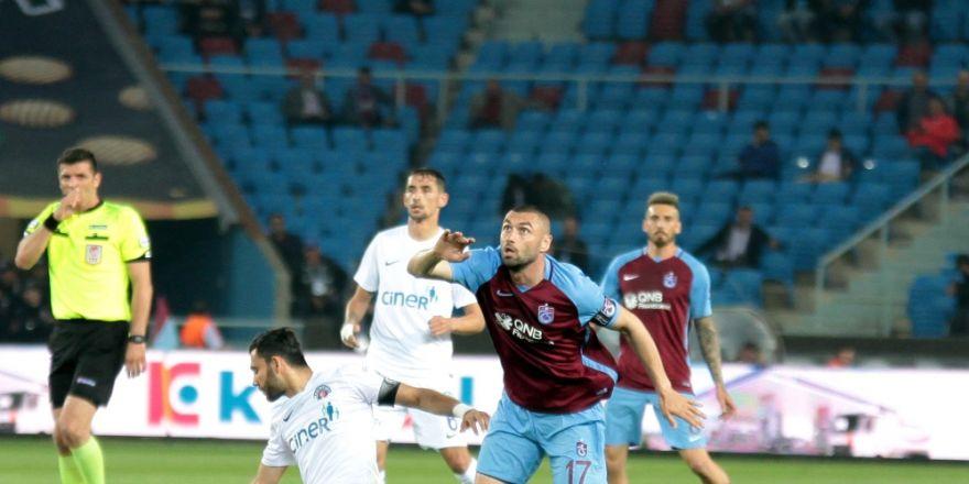 Trabzon'da 7 Gol, 2 Kırmızı Kart