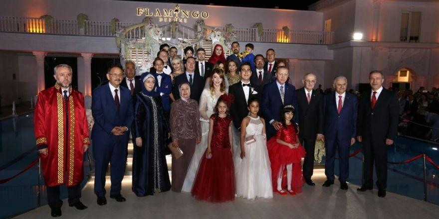 Erdoğan Bakan Özhaseki'nin Kızının Nikah Şahidi Oldu