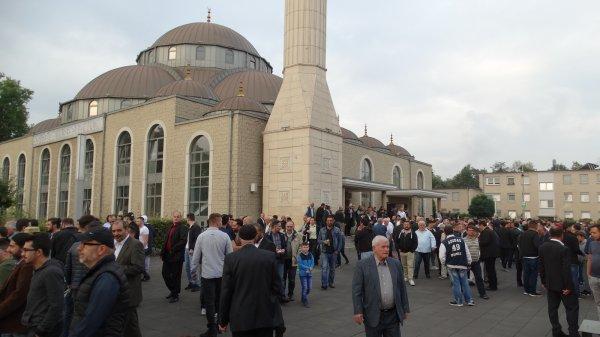 Almanya'daki Müslümanlar üzerinden Türkiye'nin etkisini kıracaklarmış