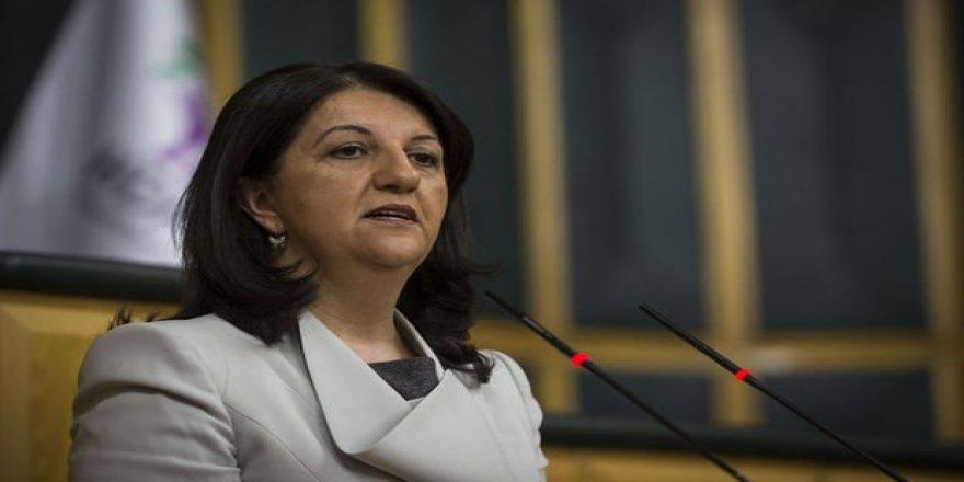 HDP'li Pervin Buldan'dan Terörist Başı Öcalan'a övgüler