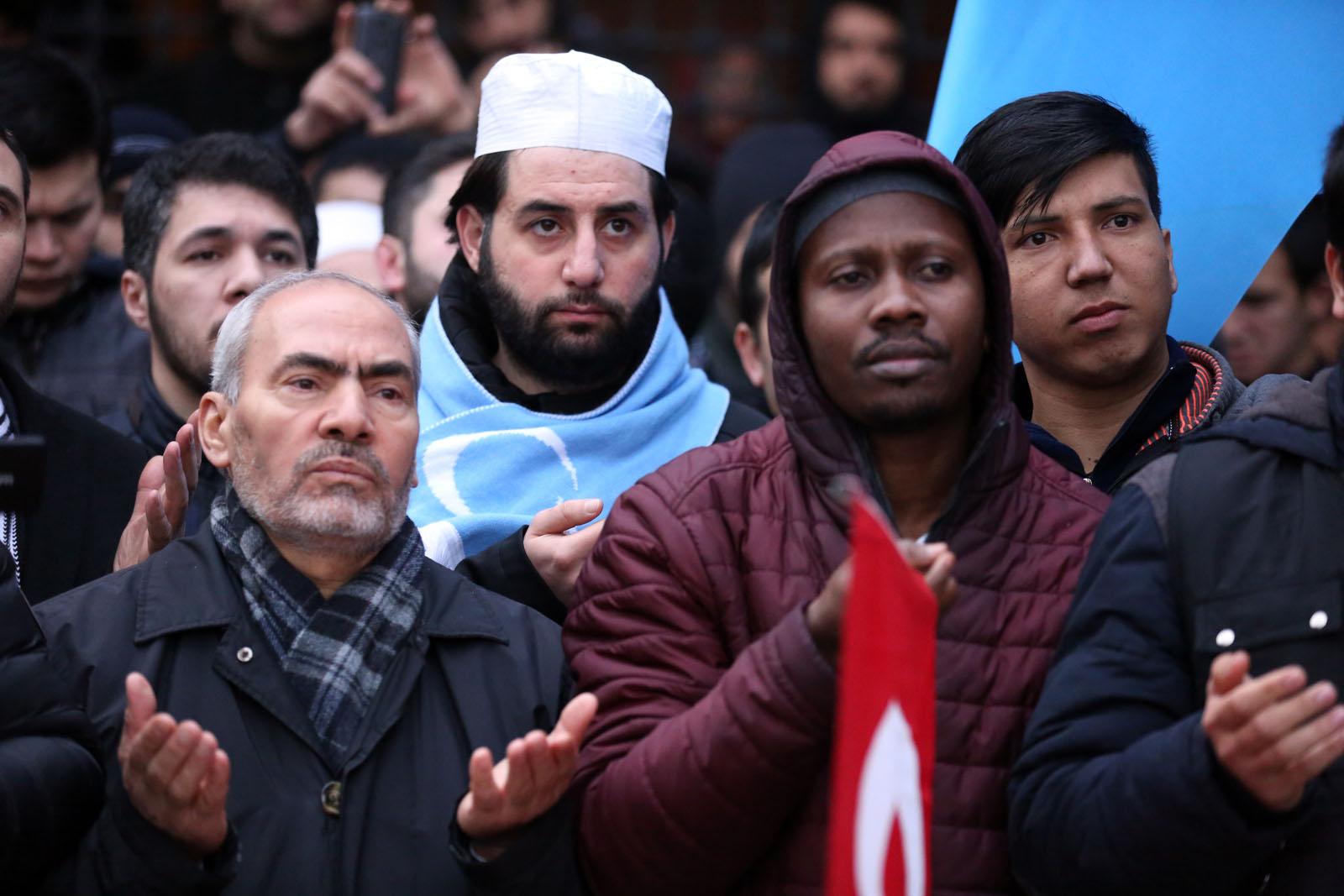Sabah Namazı Devriminden Doğu Türkistan Anadolu'dur, Ses ver Türkiye! Protestosu
