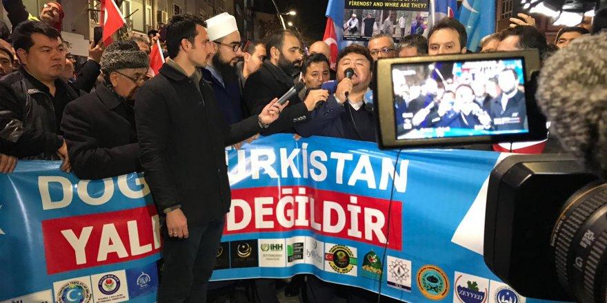 Zeytinburnu'da Kızıl Çin'in Doğu Türkistan'da uyguladığı zulüm protesto edildi