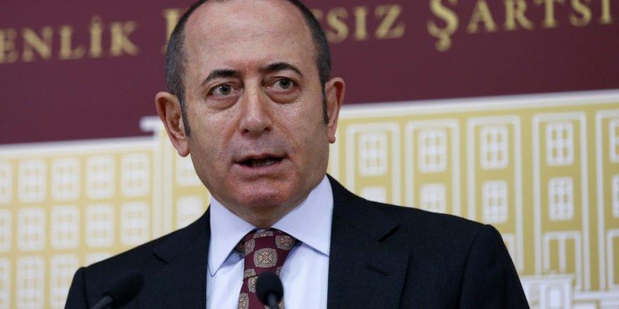 CHP Genel Sekreteri, Mehmet Akif Hamzaçebi görevinden istifa ettiğini açıkladı.