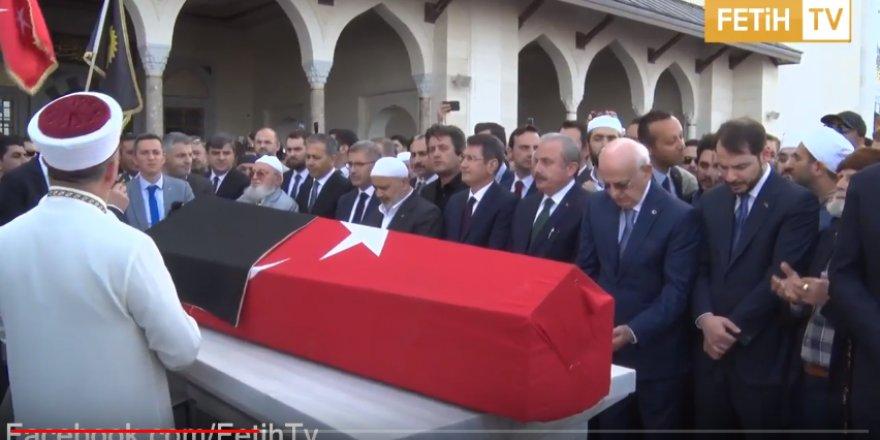 "İslam'a Adanmış Bir Ömür ""Kadir Mısıroğlu"""