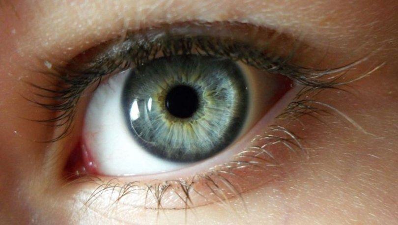Fotoğraflarda kırmızı çıkmayan gözlerin hastalıklı olma ihtimali yüksek