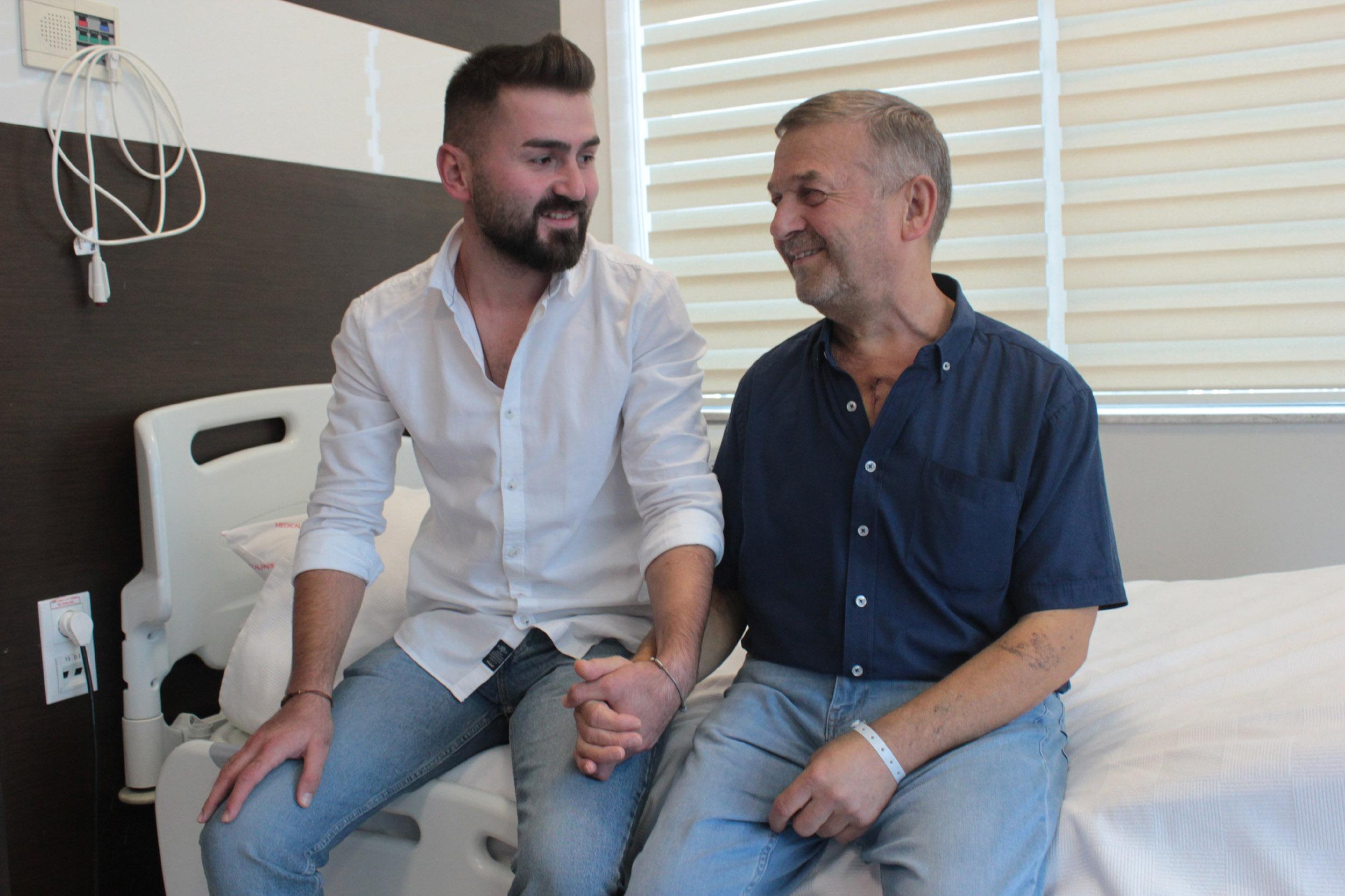 Mehmet Makas aynı anda hem böbrek nakli hem by-pass oldu