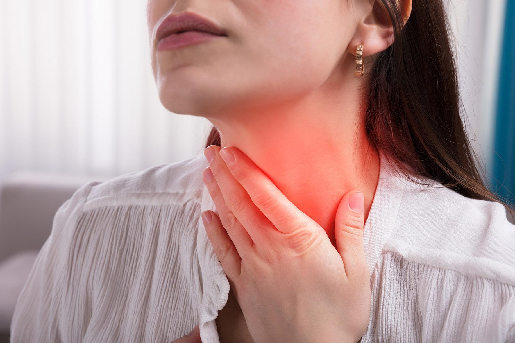 Uzun süren boğaz ağrısında 'gırtlak kanseri' (larenks)  şüphesi