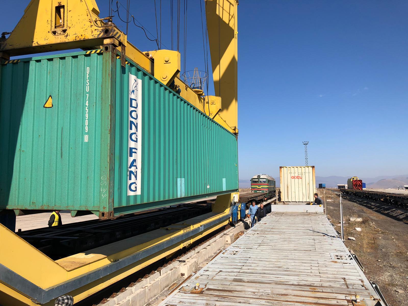 Çin'den yola çıkıp gelen tren Türkiye ticaret yollarını güncelleyecek