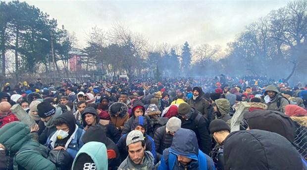 İçişleri Bakanı Süleyman Soylu, Türkiye'den ayrılan göçmen sayısının 76 bin 358