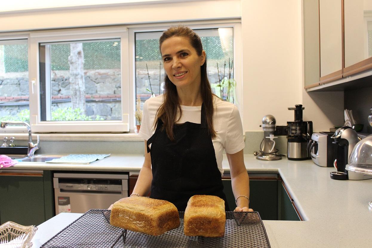 Salgın nedeniyle evde kalanlar ekmek yapmaya başladı